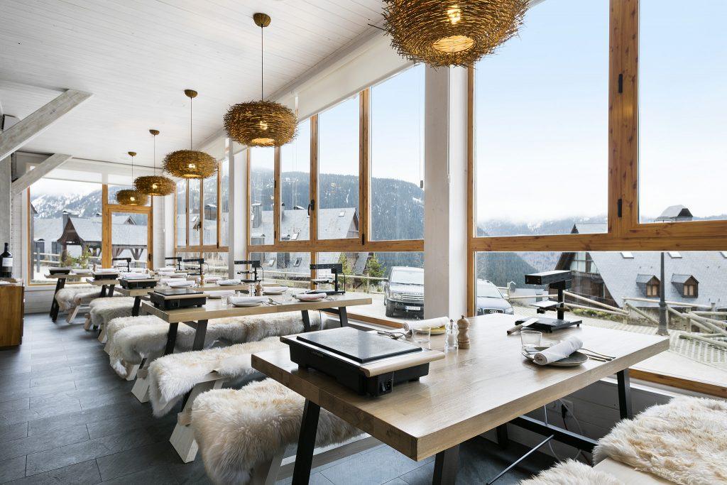 Racletterie, restaurante del hotel de esquí Rafaelhoteles by La Pleta