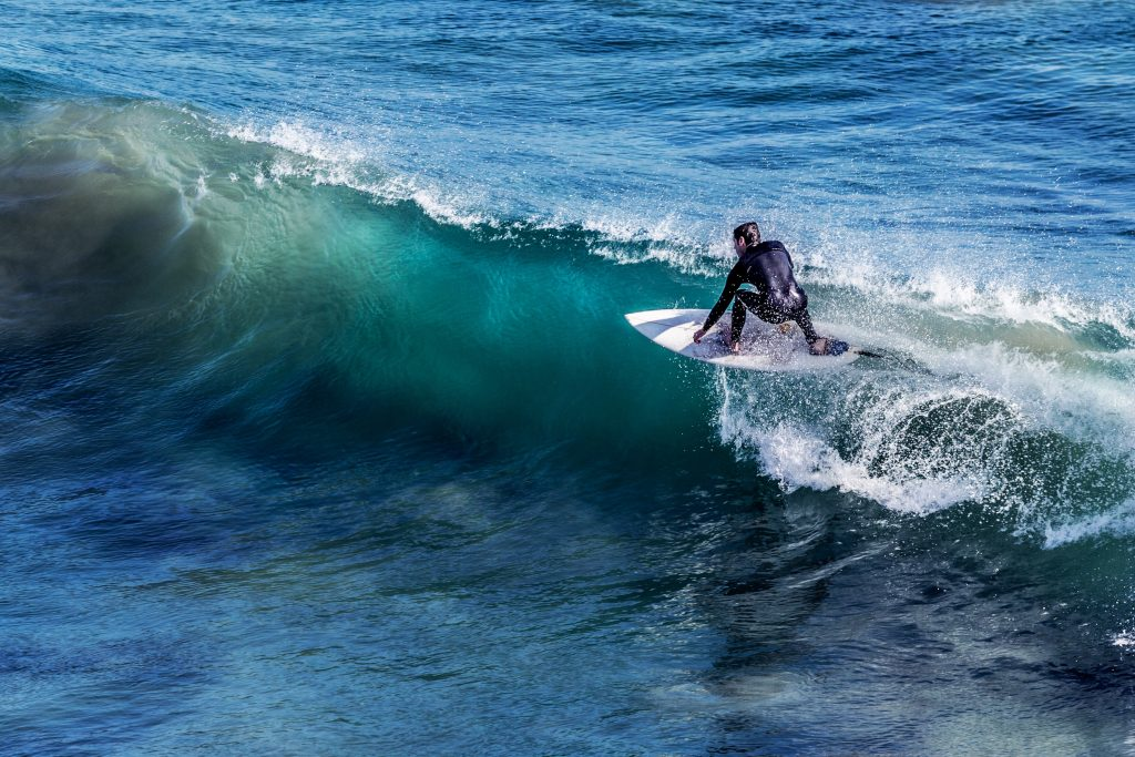Surf, uno de los deportes acuáticos más practicados en España